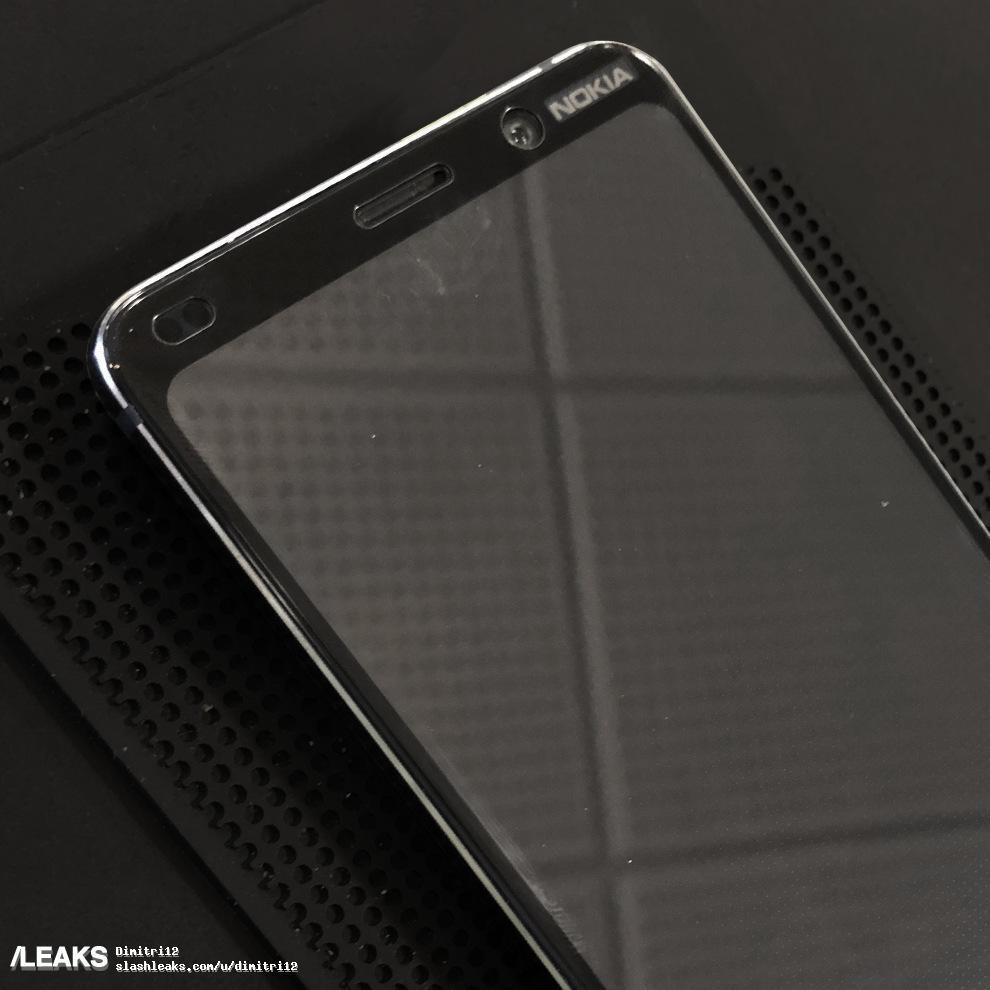 Nokia 9 Packs Some Bezels, Live Photographs Show