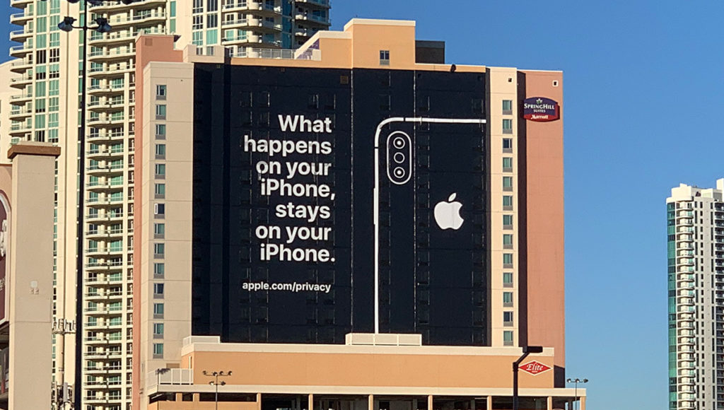 Apple-billboard-privacy-1024x580