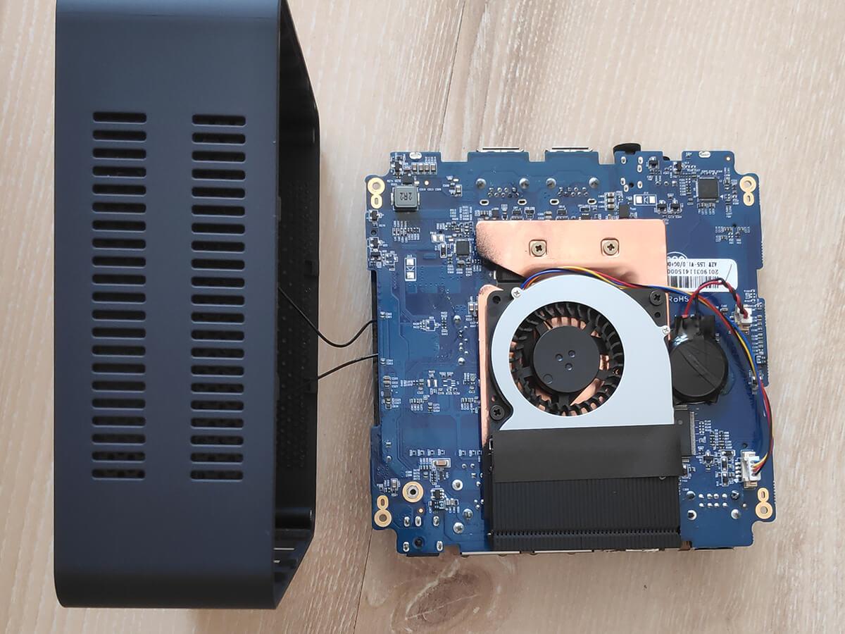 Beelink-L55-mini-PC-opened2