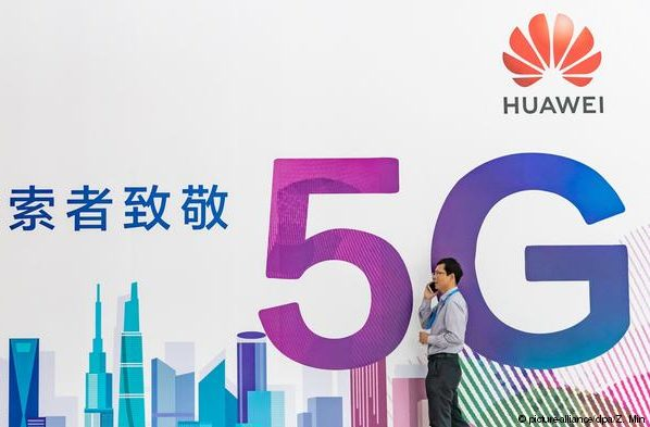 British PM to grant Huawei access to UK's 5G network